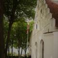 Billede efter gudstjeneste foran kirke